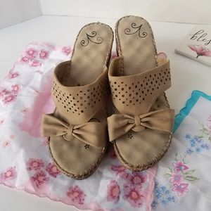 Shoes - Nude Bow Sandal Wedges